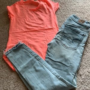 American Eagle jeans and no boundaries tshirt